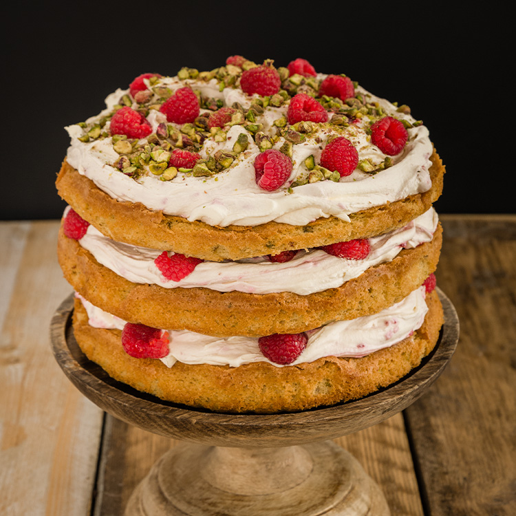 basil-xmas-raspberry-layer-cake (1)