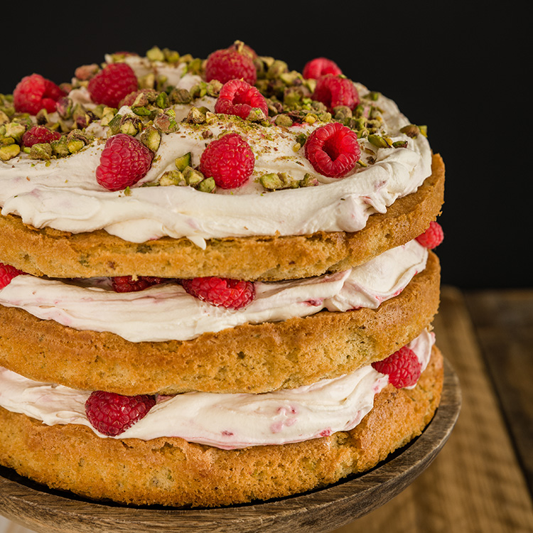 basil-xmas-raspberry-layer-cake (3)