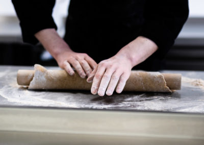 hand-rolling-quiche-base